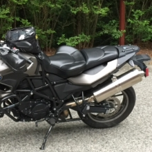 BMW F700GS: Solo All Black Vinyl with Halfmoon pattern