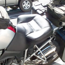 BMW R1200GS: Solo Black Leather Insert, Vinyl Side | Rectangles