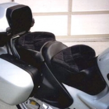 1995 BMW R1100RT: Day-Long Dual Saddle, vinyl with velour inserts, Diamond quilting pattern. Equipped with an RCP R-RT trunkbox passenger backrest. Built on the factory seat pan the driver seat retains its adjustability.